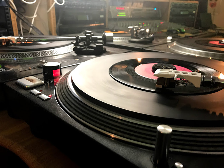 "100% Vinyl als ""semi-podcast"""